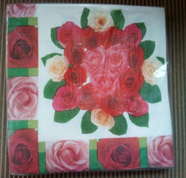 Şerveţe buchet cu trandafiri